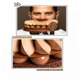 """📷 Maëlig vous présente l'entremet """"Féroce""""! Déjà à la carte depuis quelque temps ⌚, si vous ne l'avez pas goûté, il va falloir sauter le pas !   ✨ Un superbe travail de pochage associé à des saveurs Chocolat-Kalamansi pour une gourmandise visuelle et gustative efficace ! 👌  #aupetitprince #auray #baud #carnac #belz #pluvigner #relaisdesserts #pastry #pastrychef #yummy #miam #gourmandise #greedy #morbihan #epv #collegeculinairedefrance #artisan #salonduchocolat2019 #salonduchocolat"""