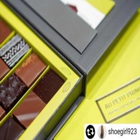 💡Idée cadeau Fête des Pères 🎁  Nos coffrets de Bonbons de Chocolats 🍫 qui existent en versions 4, 9, 18, 24 ou 42 pièces ✨  🛒 Disponibles en boutique ou sur notre site Internet www.aupetitprince.fr   #aupetitprince #auray #baud #carnac #belz #locoalMendon #pluvigner #relaisdesserts #pastry #pastrychef #yummy #miam #gourmandise #greedy #morbihan #epv #collegeculinairedefrance #artisan #bretagne #foodporn #instafood #chocolat #chocolate #fêtedespères
